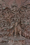 传统泰国在wat traimitr机智的样式老铁雕象板材 图库摄影