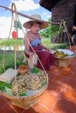 传统泰国样式卖主在泰国古老模仿公园, kanchanaburi 库存照片