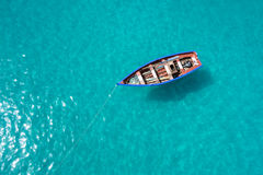 传统渔夫小船在圣玛丽亚在海角的Ve婆罗双树海岛 免版税库存照片