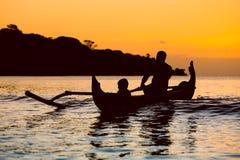 传统渔船剪影  库存图片