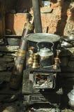 传统火炉和utstensiles 免版税库存照片