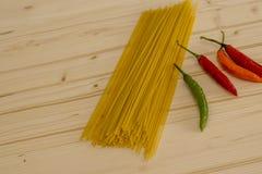 传统烹调食品成分意大利的薄饼 免版税库存照片