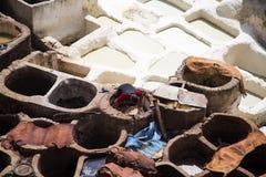 传统皮革厂iin菲斯,摩洛哥 库存照片