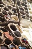 传统皮革厂iin菲斯,摩洛哥 库存图片