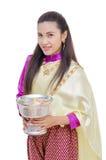 传统礼服的美丽的泰国妇女 免版税图库摄影