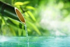 传统竹喷泉 库存照片