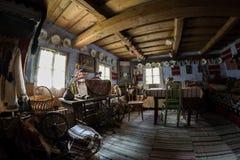 传统罗马尼亚房子内部  免版税图库摄影
