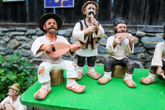 传统罗马尼亚玩偶Muromets如被暴露在传统罗马尼亚产品在罗马尼亚村庄博物馆Nicolae Gusti 图库摄影
