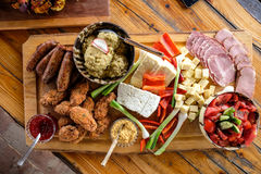传统罗马尼亚食物板材 库存图片