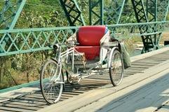 传统老人力车三轮车 库存图片