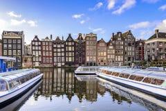传统老大厦在阿姆斯特丹 免版税库存图片