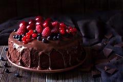传统自创巧克力蛋糕甜点酥皮点心 免版税库存图片