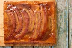 传统自创香蕉焦糖饼 法国酸的tatin 免版税库存图片