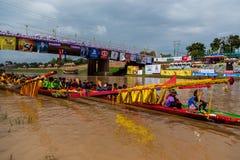 传统节日赛艇每年彭世洛9月21日到22日,泰国 图库摄影