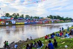 传统节日赛艇每年彭世洛省9月21日到22日,泰国 库存图片