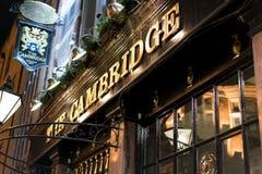 传统英国客栈剑桥在伦敦苏荷区区-伦敦英国 免版税库存照片