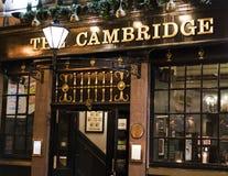 传统英国客栈剑桥在伦敦苏荷区区-伦敦英国 免版税图库摄影