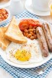 传统英式早餐用香肠,垂直 图库摄影