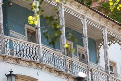 传统英王乔治一世至三世时期建筑学:木阳台和石头加州 库存照片