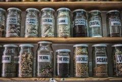 传统药房商店在摩洛哥 库存图片