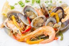 传统葡萄牙海鲜盘- cataplana- 图库摄影