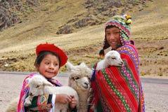 传统衣物的孩子 免版税库存图片