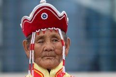 传统衣裳的老蒙古妇女 免版税库存照片