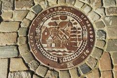 传统装饰的下水道出入孔在卑尔根,挪威 库存图片