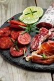 传统西班牙塔帕纤维布或意大利开胃小菜 免版税库存照片