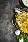 传统西班牙瓦伦西亚语盘肉菜饭-炖用米和 图库摄影