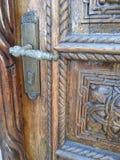 传统年迈的装饰门的设计 库存照片