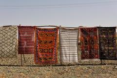 传统巴巴里人地毯待售在摩洛哥 库存照片