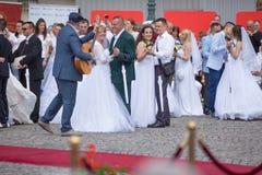 传统集体婚礼在贝尔格莱德7 免版税库存照片