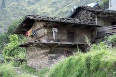 传统风格房子在喜马偕尔省 免版税库存照片
