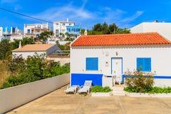 传统风格房子在Salema镇 库存图片