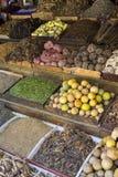 传统香料市场用草本和香料在阿斯旺,埃及 免版税库存照片