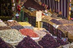 传统香料市场用草本和香料在阿斯旺,埃及 免版税库存图片