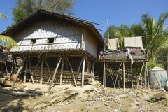传统马尔马小山部落修造的外部, Bandarban,孟加拉国 免版税库存图片