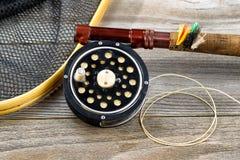 传统鳟鱼捕鱼设备 库存照片