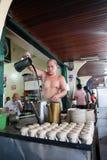 传统Barista在印度尼西亚 库存照片