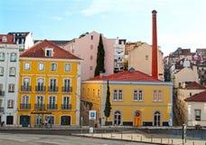 传统colorfull hauses在里斯本,葡萄牙 免版税库存图片