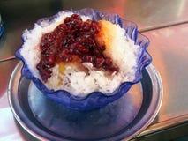传统patbingsu,从韩国的被刮的冰点心 免版税库存图片