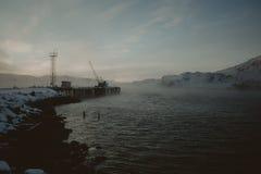 巴伦支海冬天海岸 库存照片