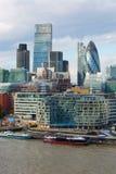 伦敦、伦敦市视图、办公室现代大厦,银行和法人公司 库存图片