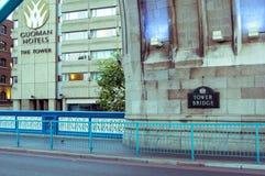 05/11/2017伦敦、英国、塔桥梁和Guoman旅馆 库存图片