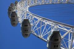 伦敦、议会英国- 2014年6月24日-大本钟和议院在泰晤士河的 免版税库存照片