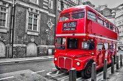 伦敦人红色双层汽车葡萄酒公共汽车 库存照片