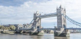伦敦伦敦塔桥在birght阳光下 库存图片