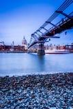 伦敦千年桥梁 图库摄影