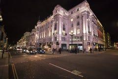 伦敦卡迪里街角-伦敦,英国-英国- 2016年2月22日 免版税库存图片